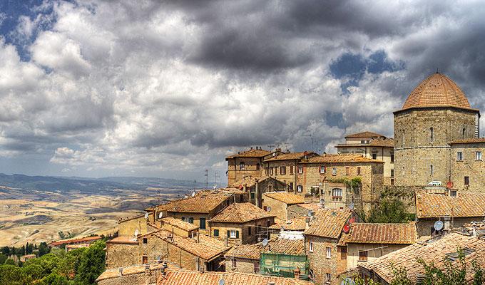 Volterra, Toskana - Blick auf die Stadt und die Umgebung