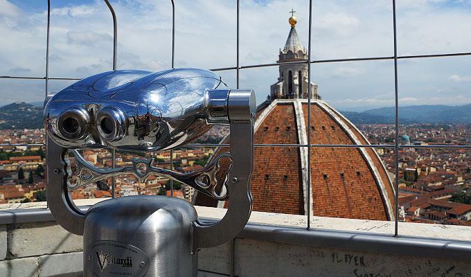 Fernrohr mit Blick auf Florenz und die Kuppel des Doms